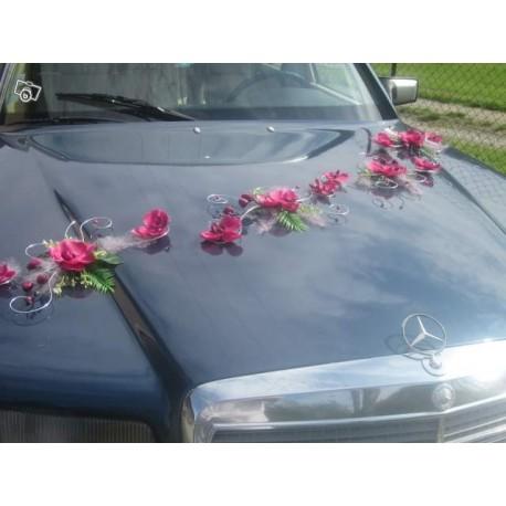 d coration de voiture de mariage avec des orchid es fuchsia bouquet de la mariee. Black Bedroom Furniture Sets. Home Design Ideas