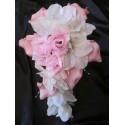 Bouquet de mariage cascade thème blanc / rose tendre avec Perles
