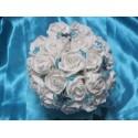 Bouquet de mariée turquoise avec roses, perles, papillons et diamants