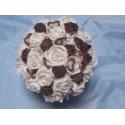 Bouquet de mariage chocolat avec des roses, coeurs et papillons