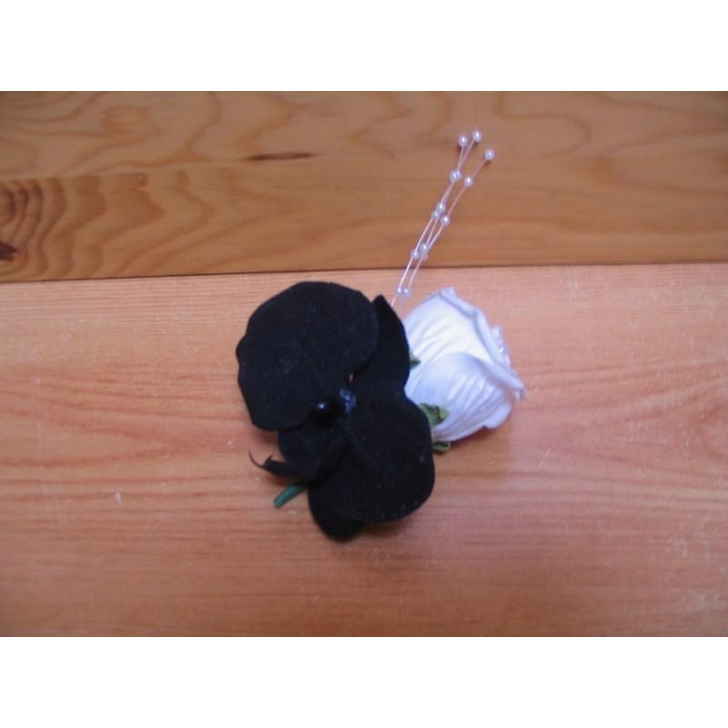 bouquet pour mariage coeur noir et blanc fait main sur. Black Bedroom Furniture Sets. Home Design Ideas
