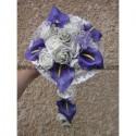 Bouquet Cascade pour mariage thème Arums prune et roses gris argent