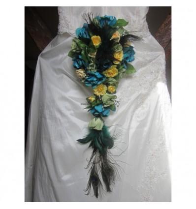 Bouquet mariee cascade plumes de paon