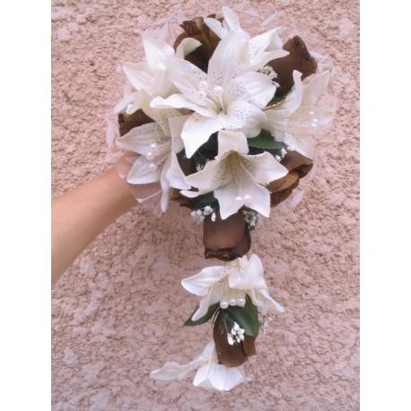 Bouquet tombant lys roses et perles