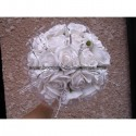 Beau Bouquet de Mariée Rond thème blanc, argent avec des roses