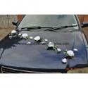 Deco fleurs voiture avec roses,orchidées,perles thème blanc,argent