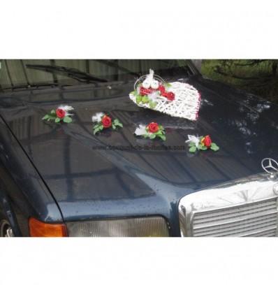 d coration voiture mariage c ur avec roses plumes et colombes bouquet de la mariee. Black Bedroom Furniture Sets. Home Design Ideas
