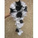 Bouquet de Mariage Cascade couleurs: noir argent, roses, strass