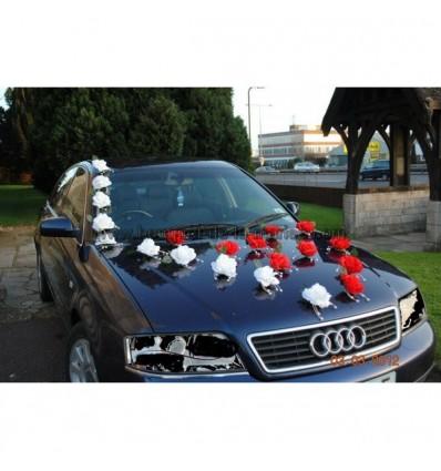 d coration voiture mariage magnifique avec des roses et perles bouquet de la mariee. Black Bedroom Furniture Sets. Home Design Ideas