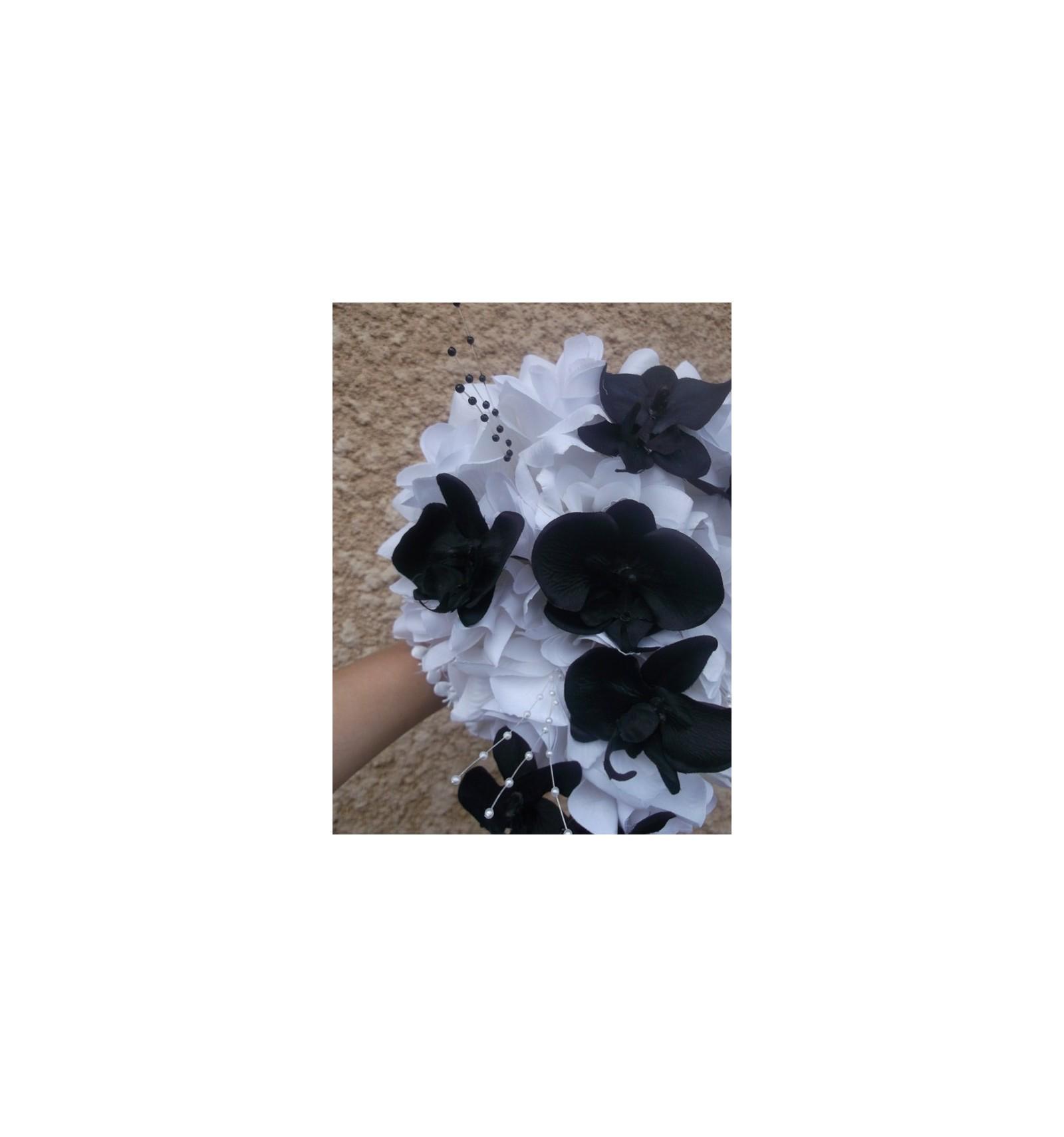 Decoration Voiture Tulle : Bouquet de mariage thème cascade noir blanc avec des