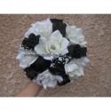 Bouquet de mariée et boutonnière thème chocolat avec roses, perles