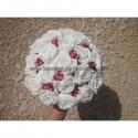"""Bouquet pour la mariée """"Rond"""" fait avec Roses et Diamants rouges"""