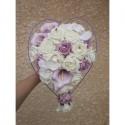 Bouquet de fleurs pour mariage type Cascade avec un coeur de roses parme