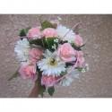 Bouquet de la mariée Splendide fait des marguerites et roses perlées