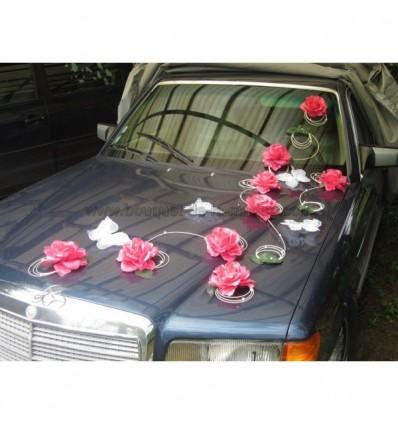 d coration de voiture pour mariage avec papillon et roses fuchsia bouquet de la mariee. Black Bedroom Furniture Sets. Home Design Ideas