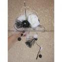 Bouquet de mariee Moderne Noir et Blanc avec roses,plumes,perles