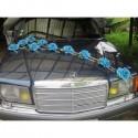 Compositions florales pour voiture de mariage avec roses turquoises