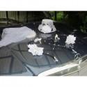 Décoration de voiture des mariés: chapeau, voile noir, blanc, gris