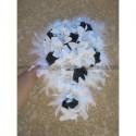 Bouquet de Mariée tombant fait de Lys, Perles, Roses et Plumes