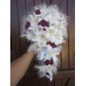 Bouquet de Fleurs Tombant thème Cascade avec lys perles,plumes