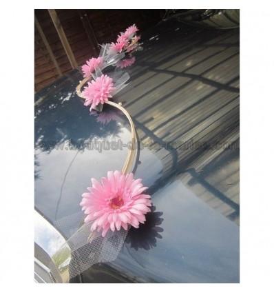 Bouquet de voiture moderne marguerites rose