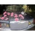 Déco voiture pour mariage thème rose et argent avec des papillons
