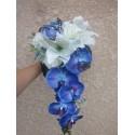 Bouquet de Mariée Tombant fait avec de belles orchidées bleues