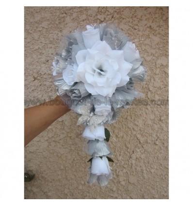Bouquet mariage papillon blanc argent