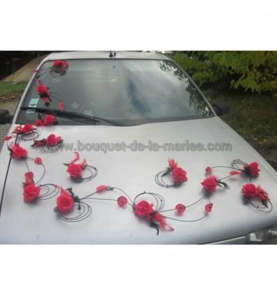 d coraton voiture de mariage th me rouge et noir avec des roses bouquet de la mariee. Black Bedroom Furniture Sets. Home Design Ideas