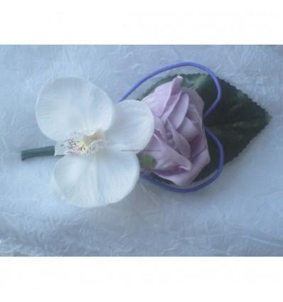 Boutonnière Orchidées parme et blanc