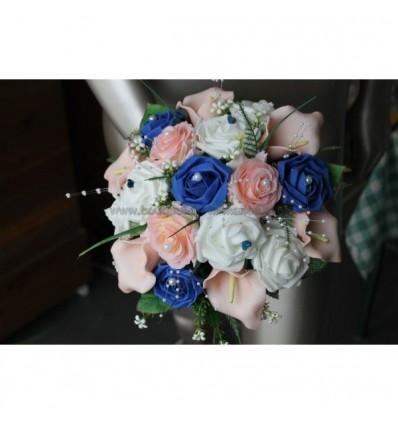 Bouquet mariée bleu et rose arums et roses