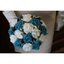 Bouquet de mariée rond turquoise, bleu,blanc avec roses et diamant