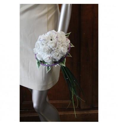Bouquet mariée parme blanc avec tiges vert