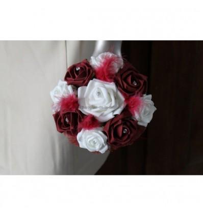 Bouquet de demoiselle d'honneur bordeaux plumes