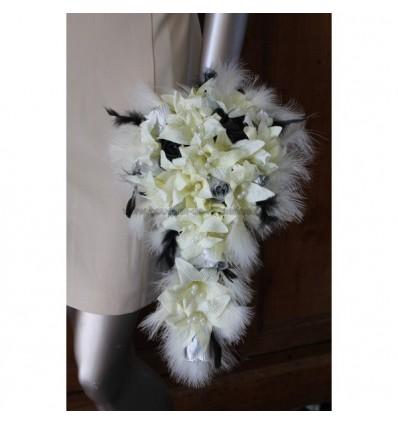 Bouquet de mariée ivoire, noir et gris perles et plumes