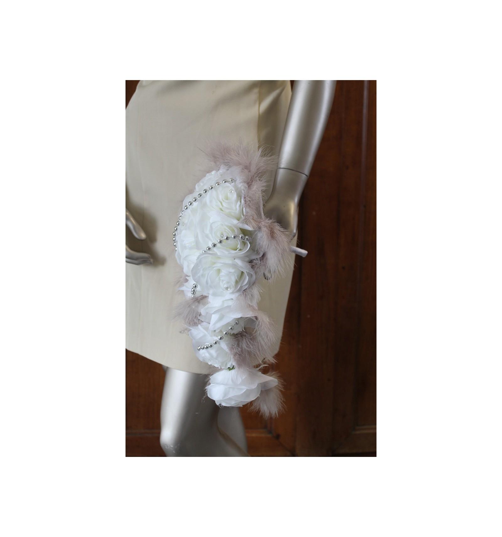 bouquet de mari e cascade original couleur blanc taupe. Black Bedroom Furniture Sets. Home Design Ideas