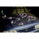 Cœurs de mariage et compositions pour voiture avec roses et rotin