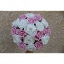 Bouquet de fleurs pour la mariée thème blanc et rose tendre