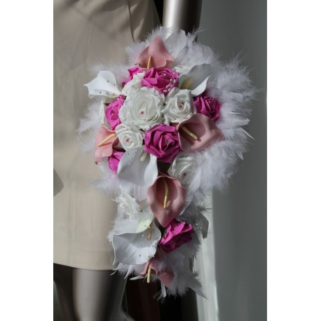 Bouquet arums roses et diamants fushia