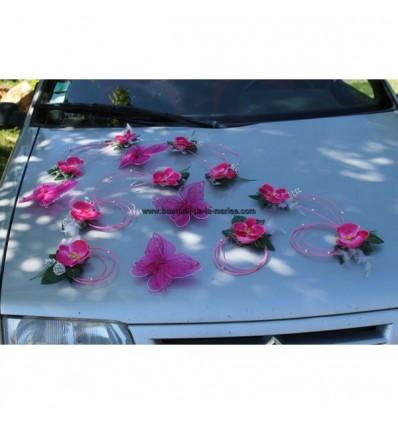 Composition voiture mariage fuschia orchidée argent papillons