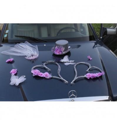 Décoration voiture mariage orchidées et coeurs