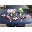 Composition florale pour voiture de mariage couleur vert anis et rose tendre