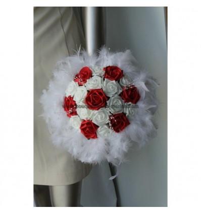 Bouquet De Mariee Rond Theme Rouge Avec Roses Perles Et Plumes