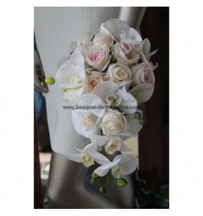 bouquet mariée cascade orchidée ivoire et rose tendre