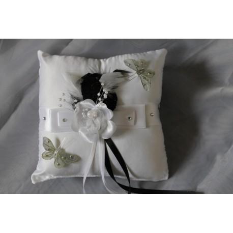 coussin d 39 alliances personnalis th me blanc et noir. Black Bedroom Furniture Sets. Home Design Ideas