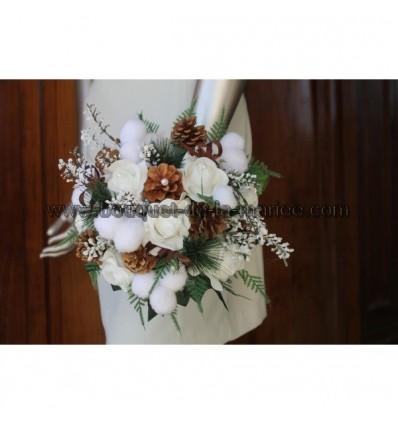 Bouquet mariée rond hiver blanc, pomme pins, boules de coton