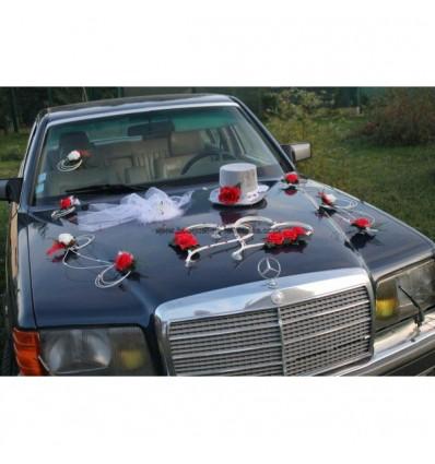 Décoration de voiture de mariage thème rouge, blanc et argent