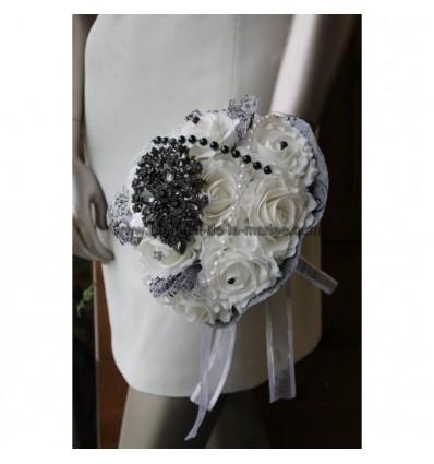 UNIQUE Bouquet de mariée fait main noir, blanc broche et strass!