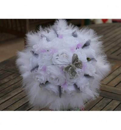 Bouquet Mariée Rond thème parme, gris et blanc avec plumes
