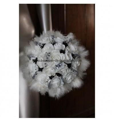 Bouquet Mariée Rond thème noir et blanc ou ivoire papillon